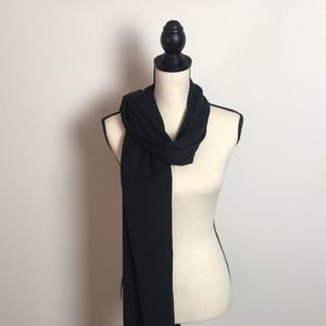 CASUAL CORNER BLACK SCARF WITH FRINGE